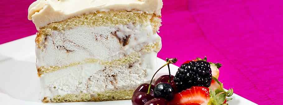 Torta de Sorvete com iogurte e frutas vermelhas